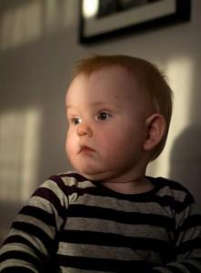 Как фотографировать ребенка дома