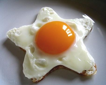 Как приготовить вкусную яичницу
